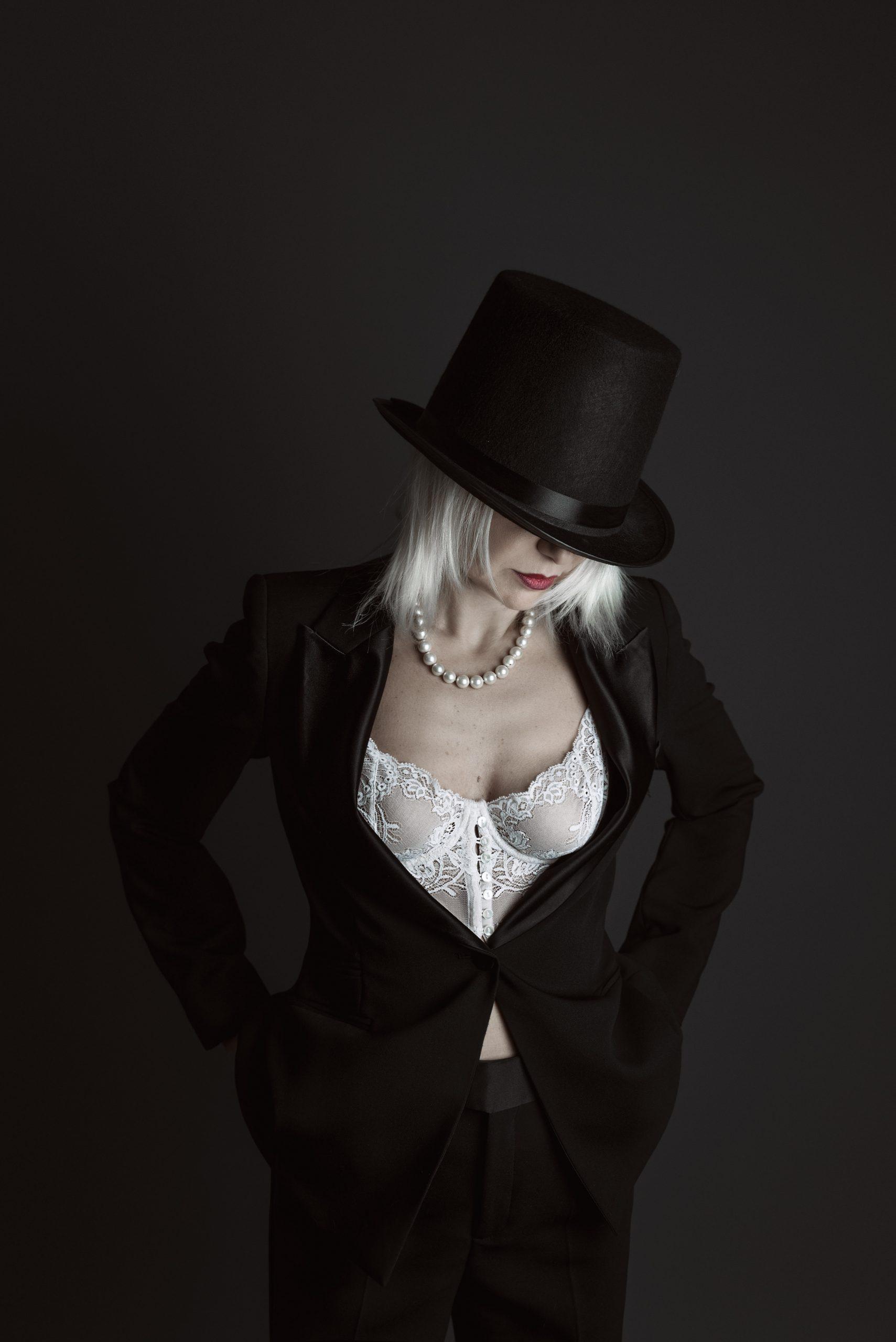 Lily Dupont mistress padrona prodomme femdom milano lombardia bdsm fetish feticismo sadomaso latex pvc giochi di ruolo role play worship