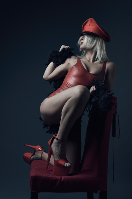 lily dupont mistress padrona milano lombardia italia femdom prodomme dungeon fetish feticismo bdsm sadomaso piedi